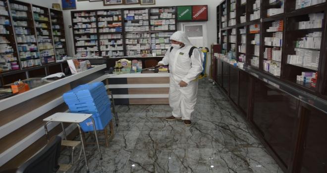 İlçe merkezinde işyerlerine dezenfekte çalışmaları sürüyor