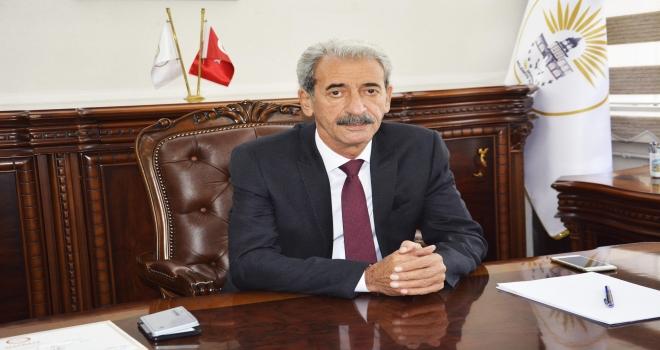 Siverek Belediye Başkanı Şehmus Aydın, maaşını bağışladı.