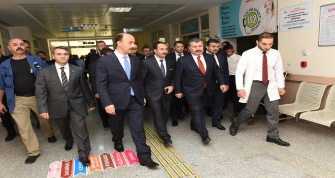 Sağlık Bakanı Koca: Dualarımız Kahraman Mehmetçikle