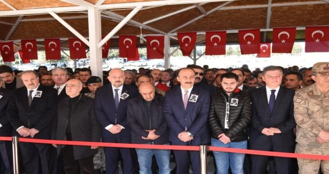 Şehit Gümrük Memuru Mustafa Türk Toprağa Verildi