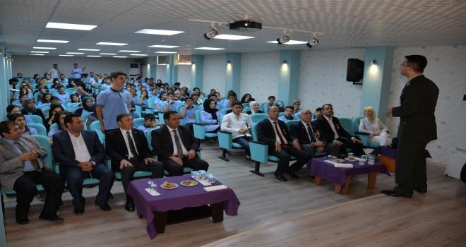 ''ŞEHİTLİK VE GAZİLİK ONURU'' KONULU KONFERANS
