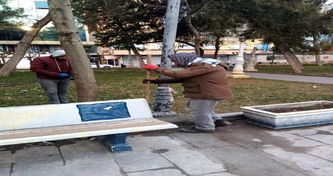 Siverek'te Parklarda bahar temizliği sürüyor