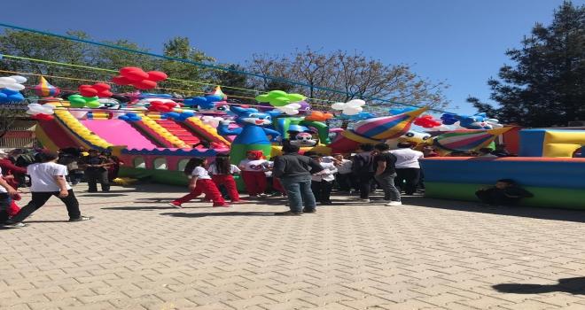 Köylü Çocuklar İlk Kez 23 Nisan Şenliğine Katıldı