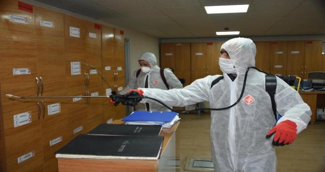 Siverek'te dezenfekte çalışmaları gece boyu devam ediyor