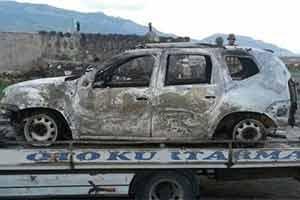 Ağrı'da 3 araç ateşe verildi, 6 kişi de kaçırıldı