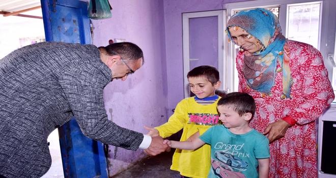 Başkan Aksak'tan vatandaşlara çat kapı ziyaret