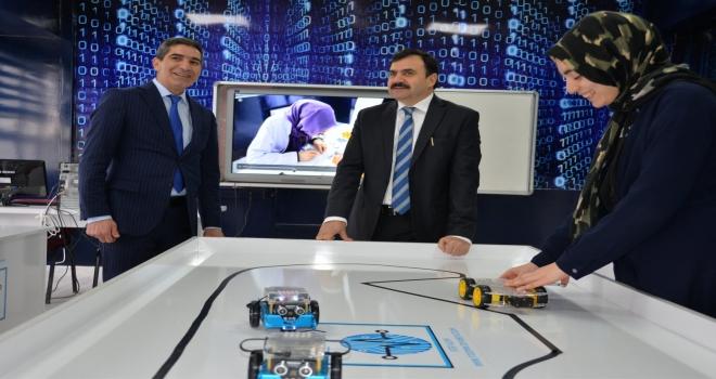 ŞANLIURFA'DA ROBOTİK KODLAMA ATÖLYESİ AÇILDI