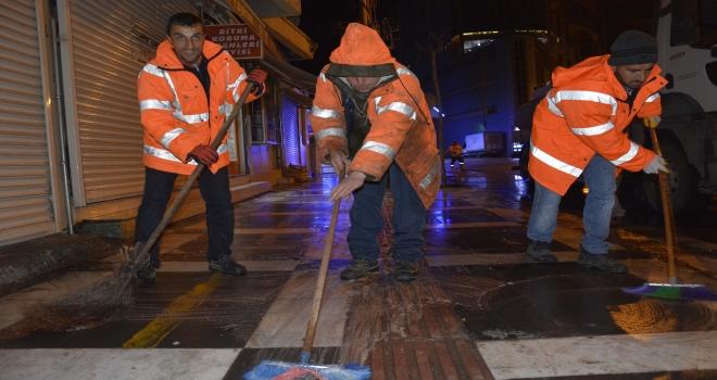 Siverek'te cadde ve sokaklar deterjanla yıkanıyor