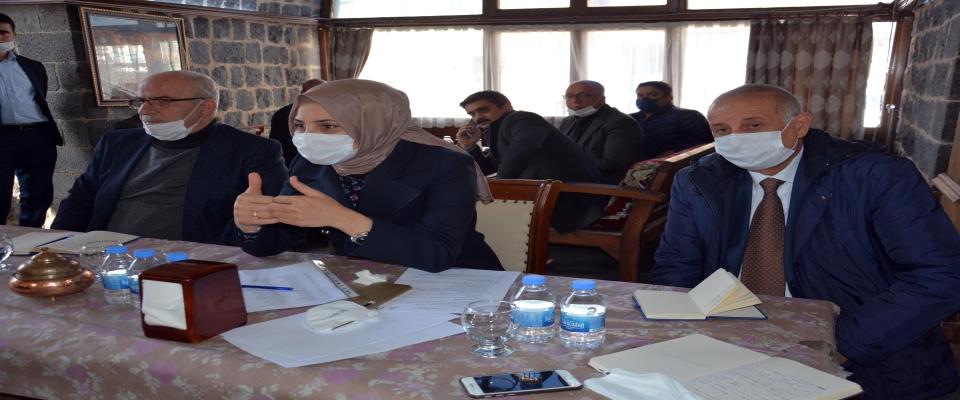 Başkan Ayşe Çakmak muhtarlarla toplantılara devam ediyor