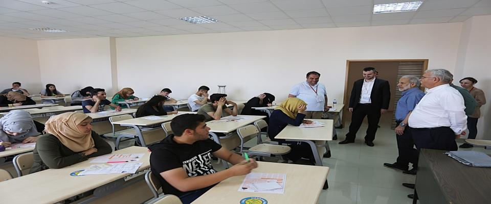 Harran Üniversitesi'nde Yabancı Uyruklu Öğrenci Sınavı (YÖS) yapıldı