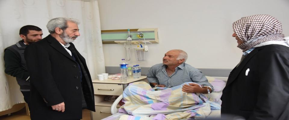 Şeyhmus Aydın hastaları ziyaret etti.