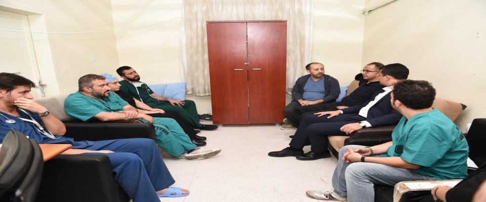 Başkan Aksak'tan sağlık çalışanlarına moral ziyareti