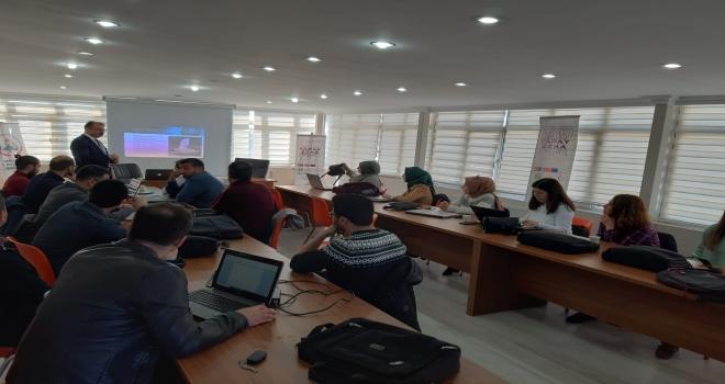 Harran Üniversitesi'nde Yapay Zekâ Öğretmen Eğitimi Başladı