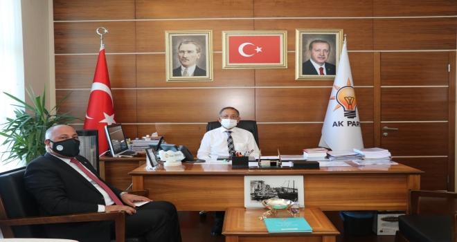Ceylanpınar Belediye Başkanı Öz Haseki'yi ziyaret etti.