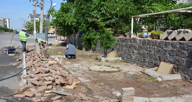 Siverek'te deforme olan cadde ve sokaklar yeniden düzenleniyor