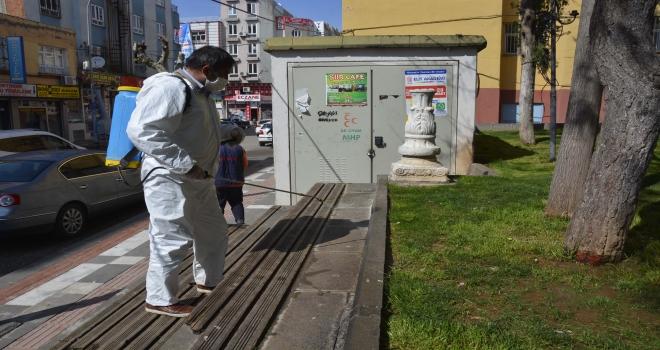 Siverek'te Parklarda dezenfekte çalışmaları devam ediyor