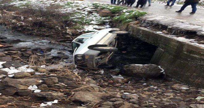Siverek'te Otomobil Dereye Düştü: 1 Yaralı